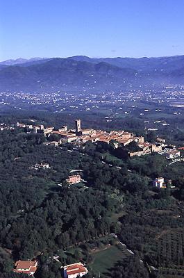 Foto Montecarlo e territorio  - realized by www.develup.it - copyright