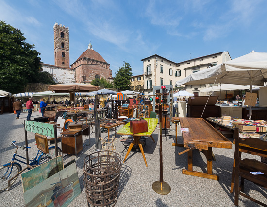 Mercatino Antiquariato Lucca - foto by develup.it copyright