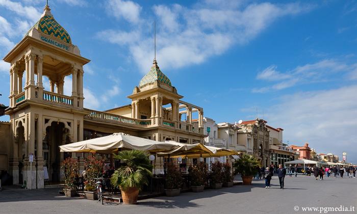 Caffè margherita sulla passeggiata a mare di Viareggio foto www.develup.it