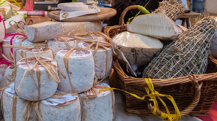 mercato a Capannori foto by www.dovealucca.it